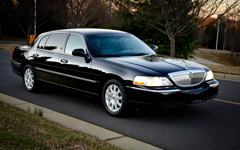 Lincoln town car luxury sedan